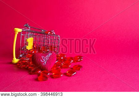 Shopping Cart With Glass Red Hearts-buying Gifts For Loved Ones, Couples In Love On Valentine\'s Day