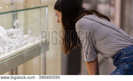 Shopper At The Jewelry Store Window, Dream Of A Gift, Jewelry And Costume Jewelry, Shallow Depth Of