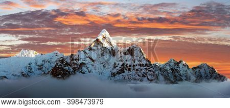 Evening View Of Mount Ama Dablam On The Way To Everest Base Camp - Nepal Himalayas Mountains