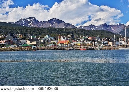 Ushuaia, Tierra Del Fuego, Argentina - 22 Dec 2019: Seaport In Ushuaia City On Tierra Del Fuego, Arg