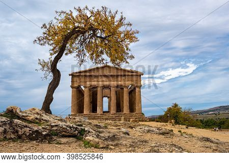 Valley Of The Temples, Agrigento, Sicily, Italy Famous Old Greek Temples In Sicily