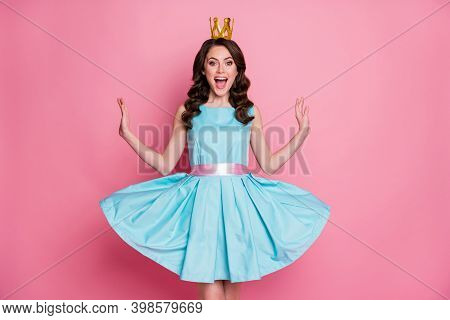 Photo Of Funny Shocked Fancy Flirty Playful Lady Prom Event Party Recognized As Prom Queen Golden Cr