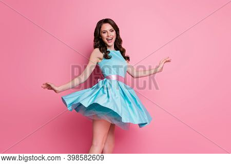 Profile Photo Of Wavy Charming Funny Lady Festive Event Prom Party Dancing Good Mood Night Club Chil