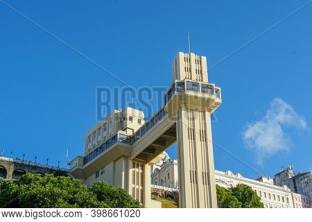 View Of Lacerda Elevator, Famous Tourist Attraction In Salvador De Bahia, Brazil. The Elevator Links