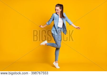 Full Size Photo Of Pretty Candid Satisfied Girl Enjoy Rejoice Dancing Weekend Discotheque Wear Good