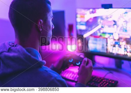 Young Gamer Playing Online Video Games While Streaming On Social Media - Youth People Addicted To Ne