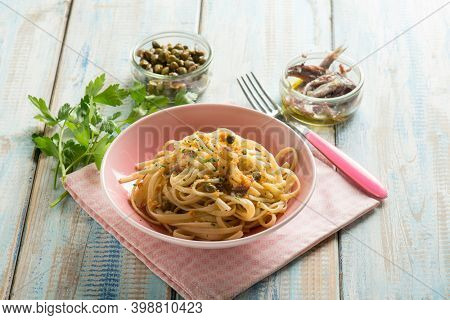 pasta with anchovies capers and parsley