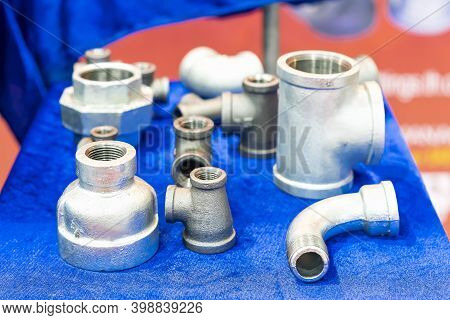 Metal Pipe Connector Conduit Such As Thread Socket Union Fitting Elbow Flexible 3 Way Etc For Plumbi