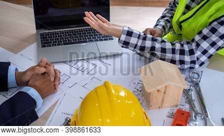 Work Meetings Between Project Contractors And Customers. Investment In Construction And Repair Of Re