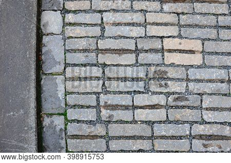 Paving Blocks With Anti-slip Notches, Notch, Groove, Horizontally Against The Direction Of Travel. S