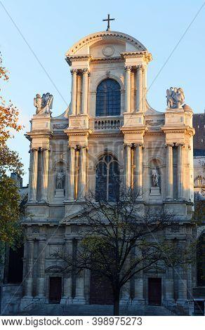 St-gervais-et-st-protais Church Of Paris . It Is Located On Place Saint-gervais In The Marais Distri