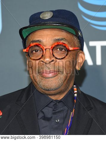 LOS ANGELES - JAN 13:  Spike Lee {Object} arrives for '24th Annual Critics' Choice Awards on January 13, 2019 0 in Santa Monica, CA
