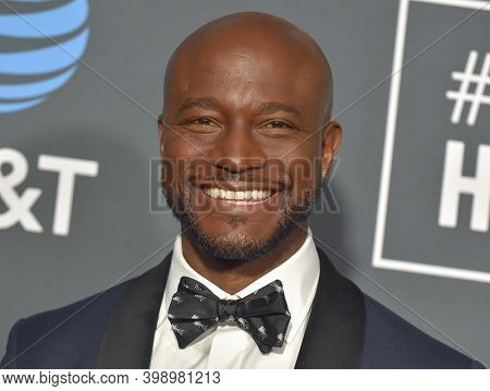 LOS ANGELES - JAN 13:  Taye Diggs {Object} arrives for '24th Annual Critics' Choice Awards on January 13, 2019 0 in Santa Monica, CA