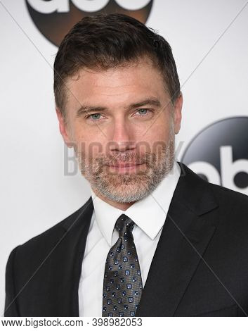 LOS ANGELES - AUG 06:  Anson Mount arrives for  Disney ABC TCA Summer Press Tour 2017 on August 6, 2017 in Beverly Hills, CA