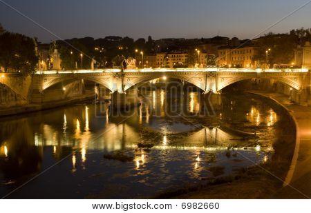 Rome - Vitorio Emanuelle bridge - night