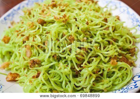 Stir Fried Noodles With Pork Rind
