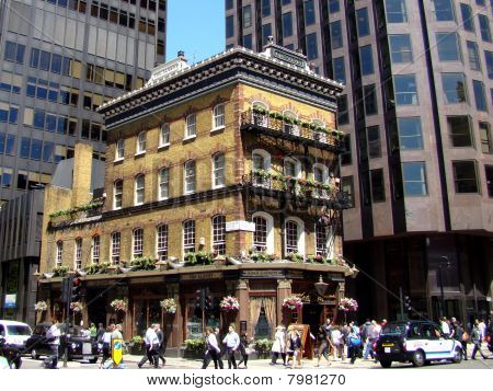Historic London Public House