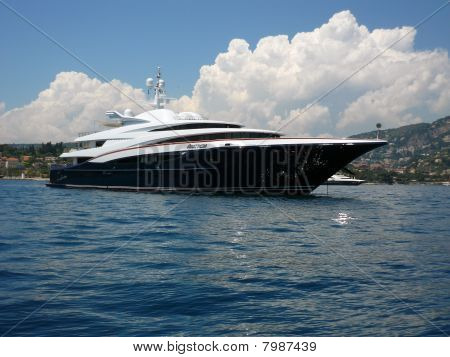 Motor Yacht Anastasia