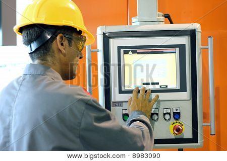 Automated Machine Operator
