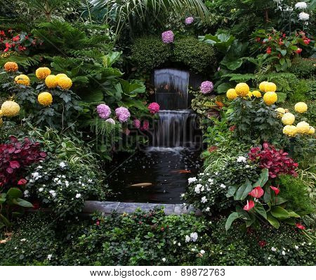 Butchart Garden on Vancouver Island, Canada. Luxury three-stage Fountain
