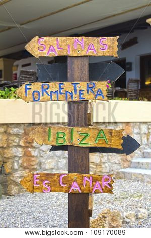 Which direction you need to take in Ibiza? Salinas? Formentera? Ibiza? Es Canar?