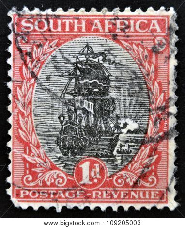 SOUTH AFRICA - CIRCA 1926: A stamp printed in South Africa shows Dromedaris (Van Riebeeck's ship)
