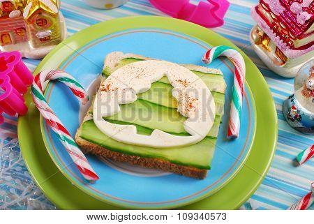 Christmas Tree Shape Sandwich For Kids