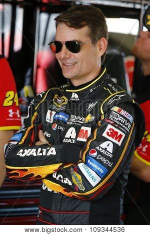 Homestead, FL - Nov 20, 2015:  Jeff Gordon (24) gets ready to practice for the FORD EcoBoost 400 at Homestead Miami Speedway in Homestead, FL.