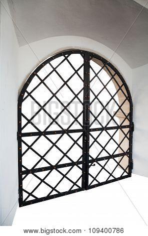 Door Closed Bars