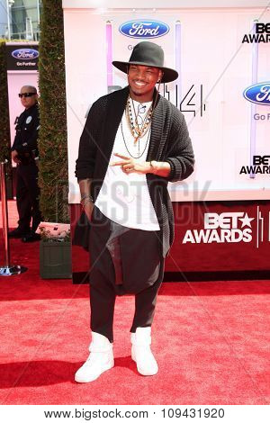 LOS ANGELES - JUN 29:  Ne-Yo at the 2014 BET Awards - Arrivals at the Nokia Theater at LA Live on June 29, 2014 in Los Angeles, CA