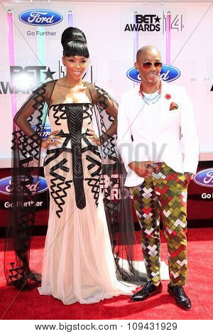 LOS ANGELES - JUN 29:  Nhlanhla Nciza, Theo Kgosinkwe at the 2014 BET Awards - Arrivals at the Nokia Theater at LA Live on June 29, 2014 in Los Angeles, CA