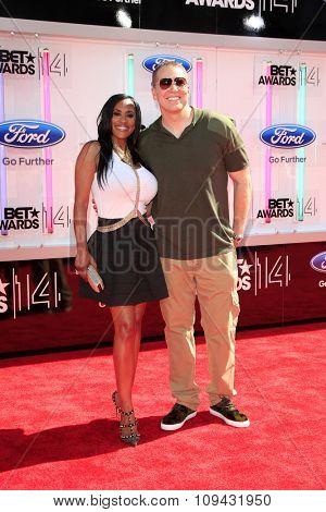 LOS ANGELES - JUN 29:  Kenya Duke, Gary Owen at the 2014 BET Awards - Arrivals at the Nokia Theater at LA Live on June 29, 2014 in Los Angeles, CA