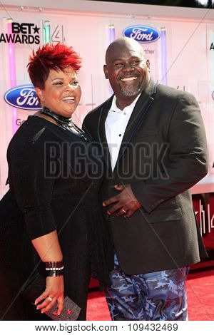 LOS ANGELES - JUN 29:  Tamela Mann, David Mann at the 2014 BET Awards - Arrivals at the Nokia Theater at LA Live on June 29, 2014 in Los Angeles, CA