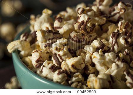 Homemade Chocolate Drizzled Caramel Popcorn