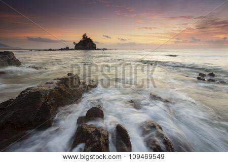 Kemasik beach bora-bora during beautiful and calm sunrise