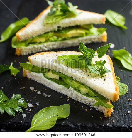 Sandwich  With Cream Cheese, Avocado And Spinach