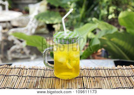 Chrysanthemum Tea With Ice