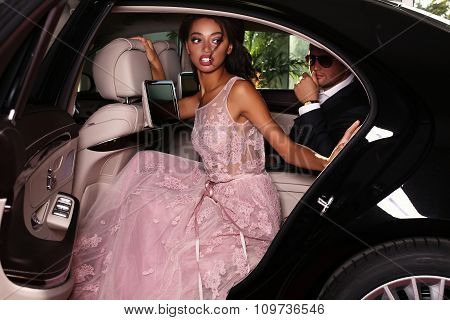 Elegant Couple Arrived On Red Carpet Event In Luxurious Car