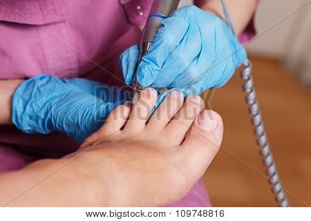 Chiropody Spa Salon. Shaping Nails And Cuticles.