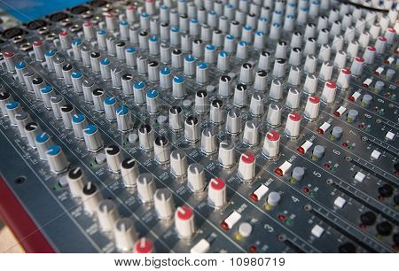 mixing pult