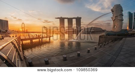 SINGAPORE - May 10: The Merlion fountain in front of the Marina Bay Sands hotel on May 10, 2014 in S
