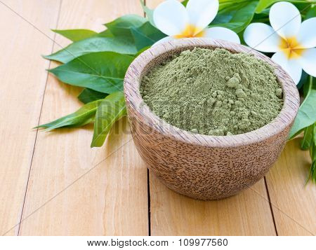 Henna Mhendi Colorant Powder And Tiare Flowers