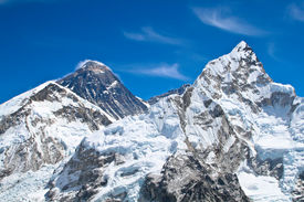 Everest and Lhotse mountain peaks