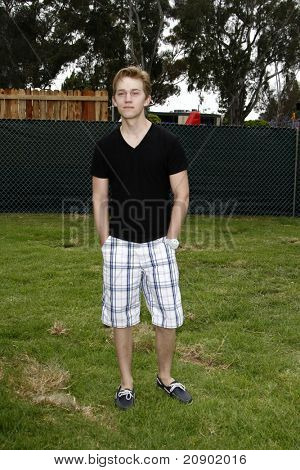 LOS ANGELES - JUN 12:  Jason Dolley arriving at the 22nd Annual 'Time for Heroes' Celebrity Picnic at Wadsworth Theater on June 12, 2011 in Westwood, CA
