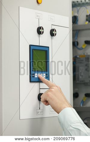 Configuration and monitoring data in the electrical Cabinet, on the touch panel