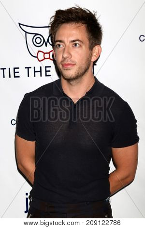 LOS ANGELES - OCT 12:  Kevin McHale at the Tie The Knot Celebrates 5-Year Anniversary at the NeueHouse on October 12, 2017 in Los Angeles, CA