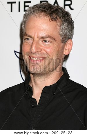 LOS ANGELES - OCT 12:  Justin Kirk at the Tie The Knot Celebrates 5-Year Anniversary at the NeueHouse on October 12, 2017 in Los Angeles, CA
