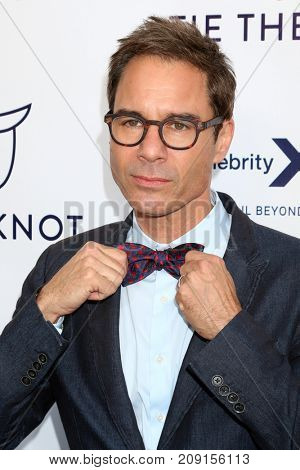LOS ANGELES - OCT 12:  Eric McCormack at the Tie The Knot Celebrates 5-Year Anniversary at the NeueHouse on October 12, 2017 in Los Angeles, CA