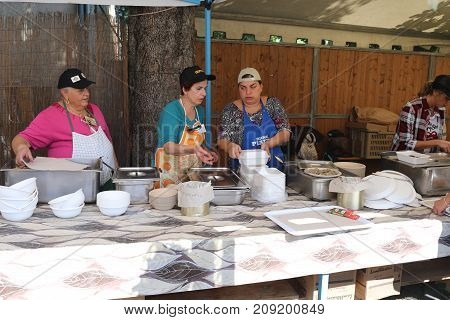 Cooks At The Chestnuts Festival
