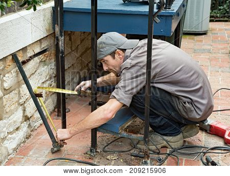 Worker Measuring for New Post